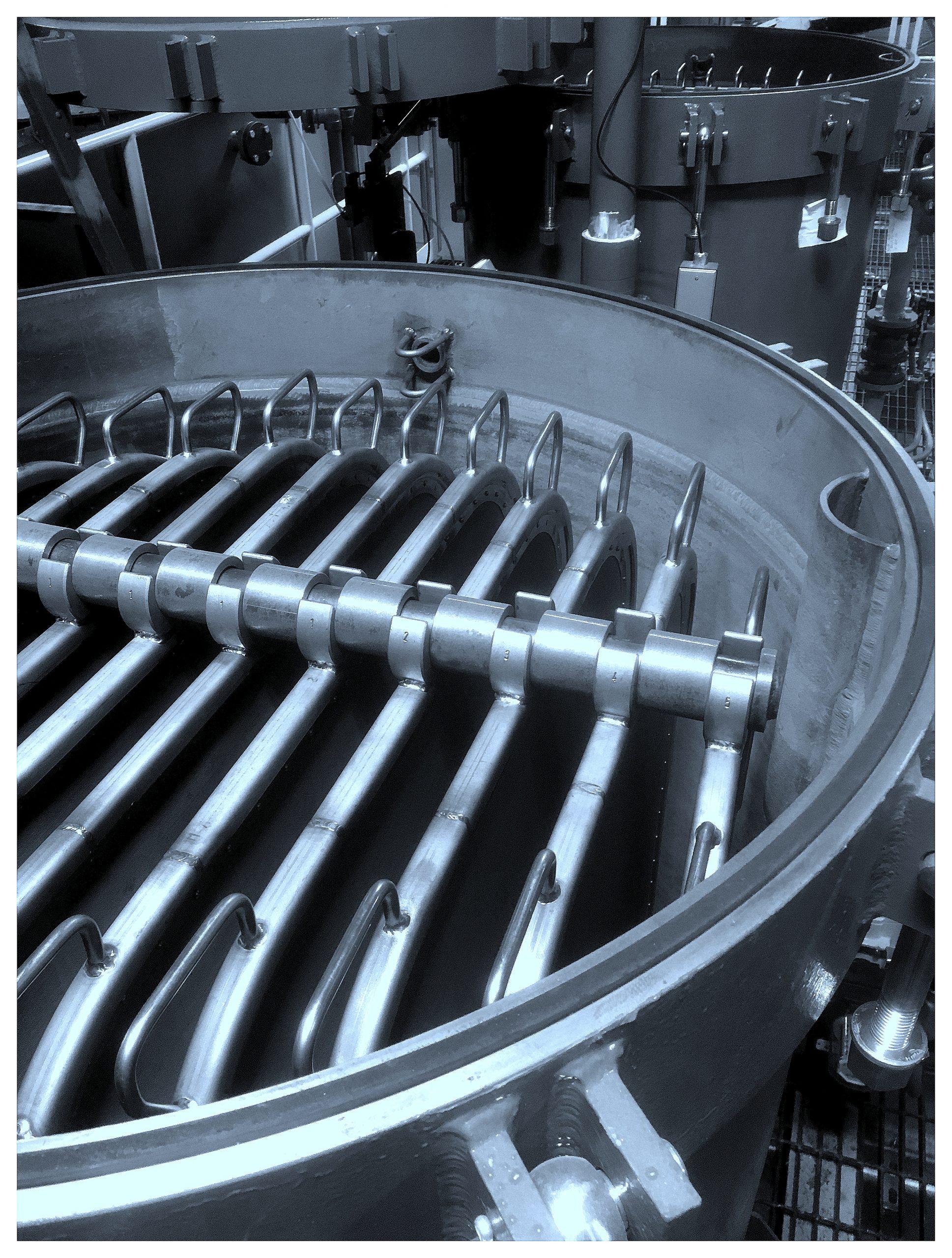 Pressure leaf filters